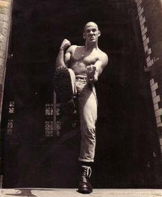 British skinhead Nicky Crane original cover photo for Strength Thru Oi! Skinhead Men, Skinhead Boots, Skinhead Fashion, Youth Culture, Pop Culture, Oi Bands, Belly Dancing Classes, Acid House, Teddy Boys