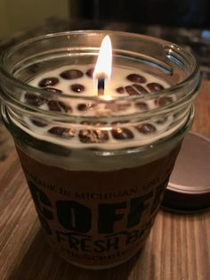 The Scented Bean specializes in handcrafting the best coffee soy candles and melts in the world. The candles look and smell like a real cup of coffee. Coffee Bean Candle, Buy Coffee Beans, Perfume Diesel, Coffee Franchise, Coffee Health, Discount Coffee, Coffee Stands, Coffee Lover Gifts, Gourmet