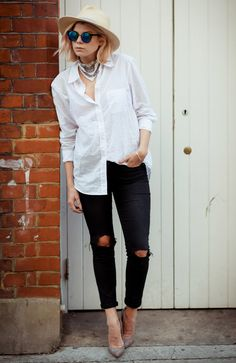 hat-street-style-destroyed-jeans-scarpin