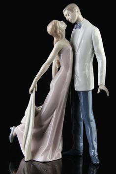 Lladro Love Porcelain Figurine