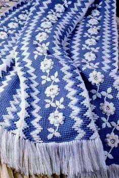 Голубой плед. Тунисское вязание
