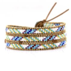 White and mixed navajo inspired seed beads on natural