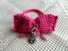Elastico per capelli fucsia, fiocco crochet e perle centrali : Accessori per capelli di i-tesori-di-maya