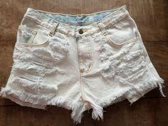 Shorts Jeans Branco Customizado, Destroyed.