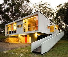 Extraordinary Routines · Stephen Ormandy - The Design Files Australian Architecture, Australian Homes, Historical Architecture, Architecture Design, Modern Architecture House, Bauhaus, Casas Containers, The Design Files, Mid Century House