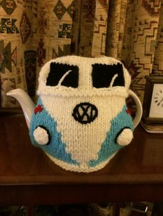 VW Dormobile Tea Cosy Knitting Patterns Free, Free Knitting, Crochet Patterns, Tea Cosy Pattern, Knitted Tea Cosies, Fox Scarf, Tea Cozy, Hobbies And Crafts, Teapots