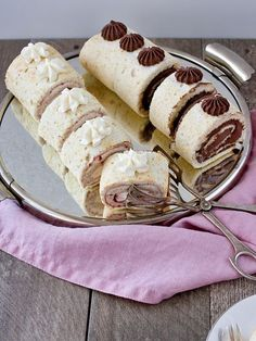 Rolls, Sweets, Cheese, Ethnic Recipes, Bakken, Sweet Pastries, Gummi Candy, Buns, Candy