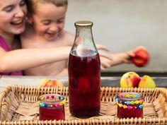 . . . 365 věcí, které si můžete udělat doma sami Samos, Hot Sauce Bottles, Homemade, Home Made, Hand Made