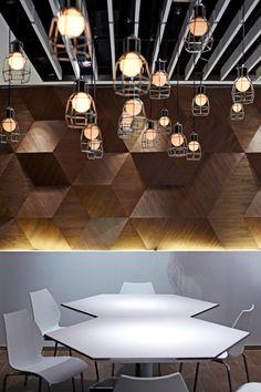 Motiv šestiúhelníku provází návštěvníka celým prostorem | Fairwood Buddies Café, Hong Kong | Beige Design Ltd.
