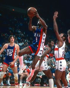 On this date in 1978, New Jersey Nets PG Kevin Porter handed out 29 assists in a 126-112 win over Houston, an NBA record that lasted more than a dozen years. Click the link in our bio to read more about this underrated player.