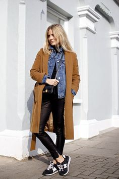 """83df77e99de justthedesign  """"Lucy Williams is wearing a Vestiaire Collective coat"""