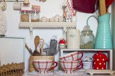 Casa chaucha ♥ tiny kitchen shelf