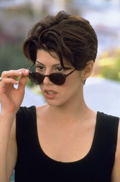 Marisa Tomei in Only You - I adore her hair, and her entire wardrobe is spot-on Type 4 in this movie as well.