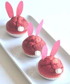 willowday: BUNNY CUPCAKES (naturally colored) Peterson for the idea not the recipe Bunny Cupcakes, Pink Cupcakes, Cupcake Cakes, Easter Activities, Easter Crafts For Kids, Easter Stuff, Bunny Party, Easter Party, Hoppy Easter