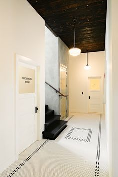 The entryway is the first impression people have on your house, get some inspiration here! http://insplosion.com/