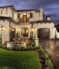 Modern minimalist style since a few years ago, even to this day is still a favorite type of home design today is a house with Mediterranean architecture. Indeed, the style of Mediterranean architec… Mediterranean Homes Exterior, Mediterranean Architecture, Mediterranean Decor, Mediterranean House Plans, Spanish Architecture, House Architecture, Spanish Exterior, Mediterranean Bathroom, Mediterranean Recipes