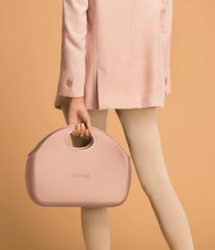 """O bag on Instagram: """"A delicate touch of fall 💓 #Obag #Obagmoon #pinkattitude #pastelcolors #handbag #mixandmatch"""" O Bag, Mix N Match, Winter Collection, Fashion Handbags, Attitude, Fall Winter, My Style, Moon, Instagram"""