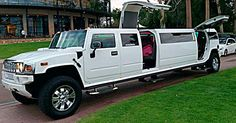 16-passenger-white-jet-door-hummers-at-kings-park-for-school-ball-limo-hire-wicked-limos-perth