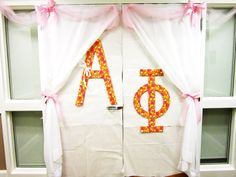 cute for recruitment to decorate the outside of the room before the girls walk in !