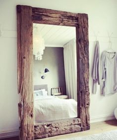 Creative Casa: Home of an Interior Designer in Oslo by Steen & Aiesh. Incredible recycled wood mirror for bedroom decor. Home and bedroom design Rustic furniture Sweet Home, Deco Design, Design Case, Design Design, Design Elements, Design Logos, Decoration Design, Design Styles, Floor Design
