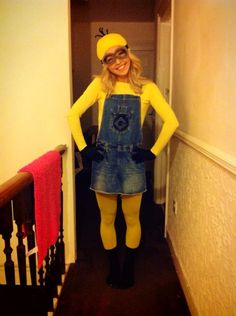 Despicable Me Minion Halloween Fancy Dress Yellow Group Outfit. How to here: http://clothes-andstuff.blogspot.co.uk/2013/11/h-l-l-o-w-e-e-n.html