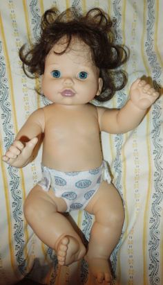 Gorgeous realistic Baby so Beautiful doll 1995 Brown hair blue eyes