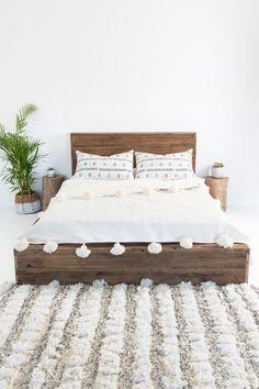 Hendrix & Harlow Hardwood Platform Bed + Moroccan Wool Pom Pom Blanket - Off White