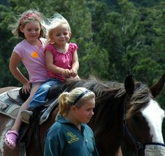 How To Teach Your Children To Ride A Horse And Start A Life-Long Passion - http://petmoz.org/how-to-teach-your-children-to-ride-a-horse-and-start-a-life-long-passion/