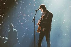 I don't know why but I love this picture it looks so magical just like Shawn's shows