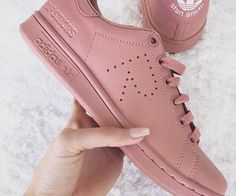 prcieuses ridicules chaussures femme fille pinterest magda7g pinterest bruhitsjazzy blanc adidas superstar baskets superstar vtements