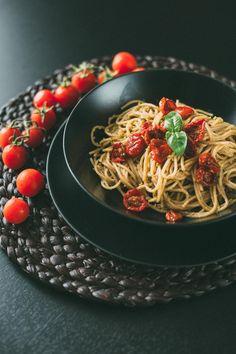 spaghetti pistachio pistacchi pesto tomato pomodorini confit