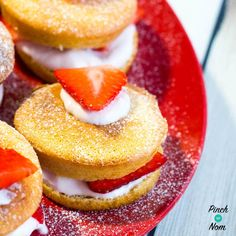 These Low Syn Mini Strawberry Sponges are the business and really fill a cake shaped hole when following the Slimming World Extra Easy or SP plans.