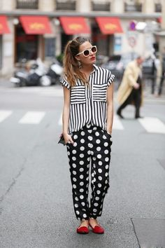 What I'd Wear : The Outfit Database (source : Frassy ) Teen Fashion Blog, Fashion Week, Look Fashion, Fashion Outfits, Womens Fashion, Fall Fashion, Pattern Mixing Outfits, Mixing Patterns, Cool Outfits