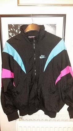 Rare vintage genuine black Nike windbreaker/bomber jacket with pink & blue (36)