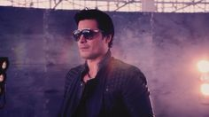 Checa el #Vevo #VideoMusical para Humanos a Marte (Official Video) por Chayanne