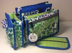 This gorgeous Porta-PocketsPLUS purse insert was created by Pat Leask of Ontario, Canada