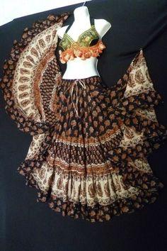 25 yd Block Print Unleash the Gypsy - Magical Fashions