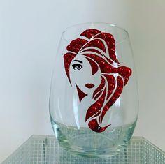 Bottle Art, Bottle Crafts, Creative Art, Creative Design, Diy Mug Designs, Wine Glass Designs, Rhinestone Crafts, Decorated Wine Glasses, Diy Mugs