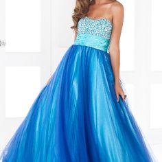 Shop ball gowns and formal evening gowns at Simply Dresses. Ballroom dresses, women's formal dresses, long evening gowns and pageant ball gowns in misses and plus sizes. Wedding Dresses Uk, A Line Prom Dresses, Cheap Prom Dresses, Quinceanera Dresses, Homecoming Dresses, Cute Dresses, Beautiful Dresses, Long Dresses, Dresses Dresses