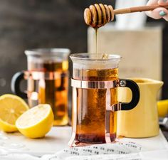 HOT TODDY RECIPE FOR A COLD is my go-to recipe when I'm under the weather. It's the best cold remedy! Learn how to make a hot toddy before winter! Best Cold Remedies, Cold And Cough Remedies, Natural Remedies, Sore Throat Remedies For Adults, Flu Remedies, Whisky Honey, Whiskey, Hot Toddy Recipe For Colds, Cold Symptoms