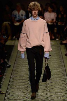 Burberry Fall 2016 Ready-to-Wear Fashion Show - Simon Julius Jørgensen