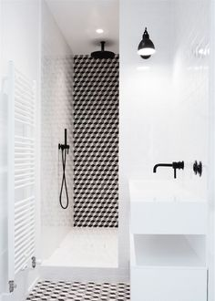 Small Bathroom Renovations 460211655663640620 - carrelage douche Source by Bad Inspiration, Bathroom Inspiration, White Bathroom, Small Bathroom, Bathroom Ideas, Black Bathrooms, Bathroom Caddy, Bathroom Designs, Ideas Baños