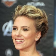 Fashion style Johansson scarlett rocks refined undercut romantic makeup for lady