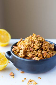 Granola: super crunchy and full of addictive clusters! This granola ...