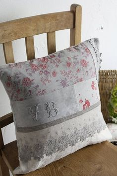 """Antique Linen Monogram Cushion VB remake"" Kokin-fluffy cloth Coconfouato antique antique antique textile fabric lace fabric [antique &] - cloth -"