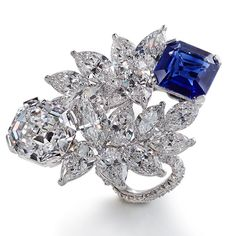 LEVIEV Kashmir Sapphire and D Internally Flawless Diamond Ring totaling 17.36 carats, handcrafted in platinum.