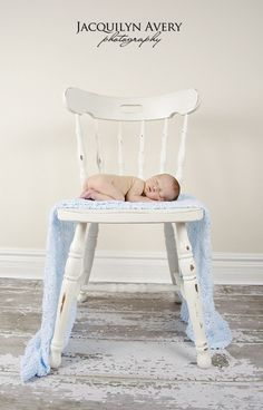 The sizing of the baby and chair with a straight-on shot is fantastic.