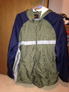 Men's Size L Nike Zip Front Nylon Jacket Light Weight  #Nike #CoatsJackets