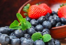 Minty Fresh Berry – Juice   Reboot With Joe