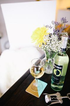 Don't forget the fresh flowers and wine coasters to complete the ambiance. Cheers! #NationalDrinkWineDay #EccoDomani